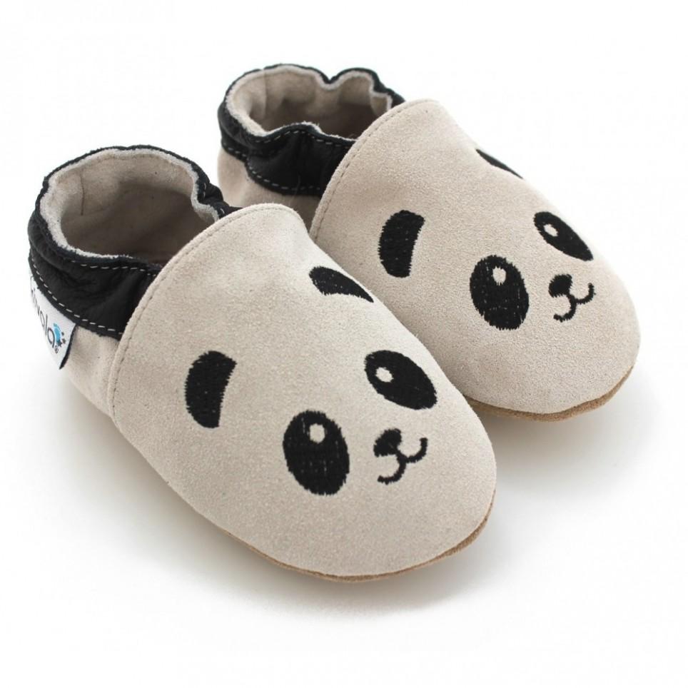 d5b53a2b01ff6 On craque pour ces jolis chaussons panda